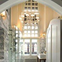 Фотография: Ванная в стиле , Квартира, Flos, Дома и квартиры, Лондон, Лестница, Библиотека, Готический – фото на InMyRoom.ru