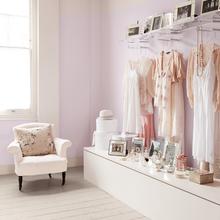 Фотография: Спальня в стиле Кантри, Декор интерьера, Дизайн интерьера, Цвет в интерьере, Dulux, ColourFutures, Akzonobel, Краски – фото на InMyRoom.ru