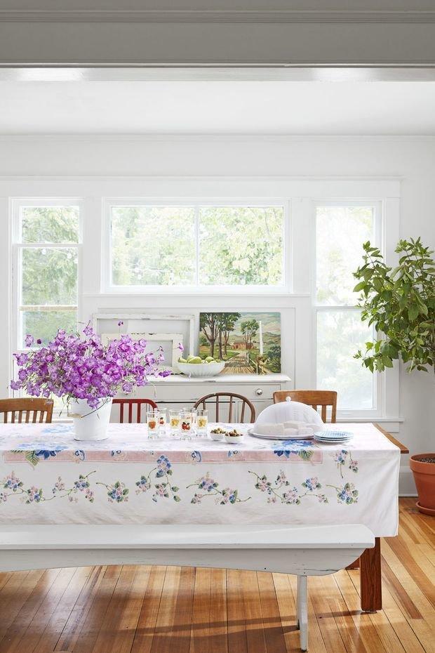 Фотография: Кухня и столовая в стиле Прованс и Кантри, Декор интерьера, Дом, США, Белый, Дом и дача – фото на InMyRoom.ru