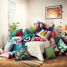 Фотография: Спальня в стиле Современный, Эклектика, Декор интерьера, Мебель и свет, Декор дома – фото на InMyRoom.ru