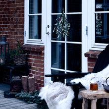 Фотография: Балкон, Терраса в стиле Кантри, Декор интерьера, Малогабаритная квартира, Квартира, Праздник, Цвет в интерьере, Дома и квартиры, Белый – фото на InMyRoom.ru