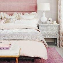 Фотография: Спальня в стиле Кантри, Декор интерьера, Декор, Розовый – фото на InMyRoom.ru