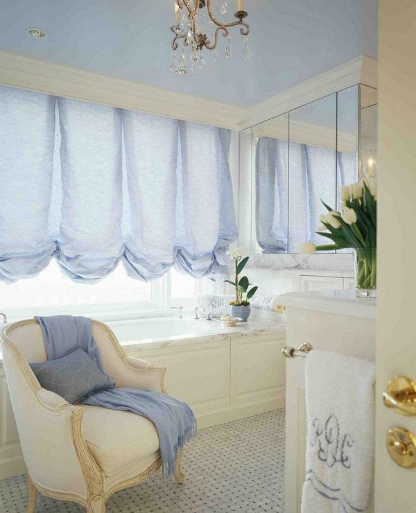 Фотография: Ванная в стиле Прованс и Кантри, Декор интерьера, Текстиль, Шторы – фото на InMyRoom.ru