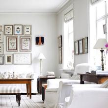 Фотография: Гостиная в стиле Скандинавский, Квартира, Аксессуары, Декор, Мебель и свет, Белый, Гид, гид по белым комнатам, психология белого, практичный белый, белая прихожая, белая спальня, белая гостиная, белая ванная, белая кухня, белая детская – фото на InMyRoom.ru