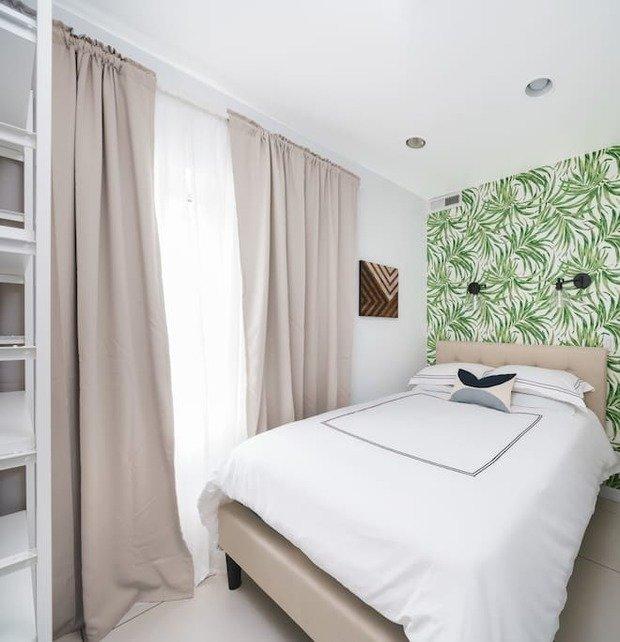 Фотография: Спальня в стиле Минимализм, Современный, Декор интерьера, Малогабаритная квартира, Квартира, Студия, 1 комната, до 40 метров, 40-60 метров – фото на INMYROOM