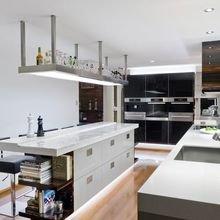 Фотография: Кухня и столовая в стиле Хай-тек, Квартира, Дом, Декор, Советы, Ремонт на практике – фото на InMyRoom.ru
