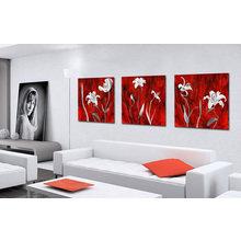 Триптих на холсте: Ярко-белые лилии