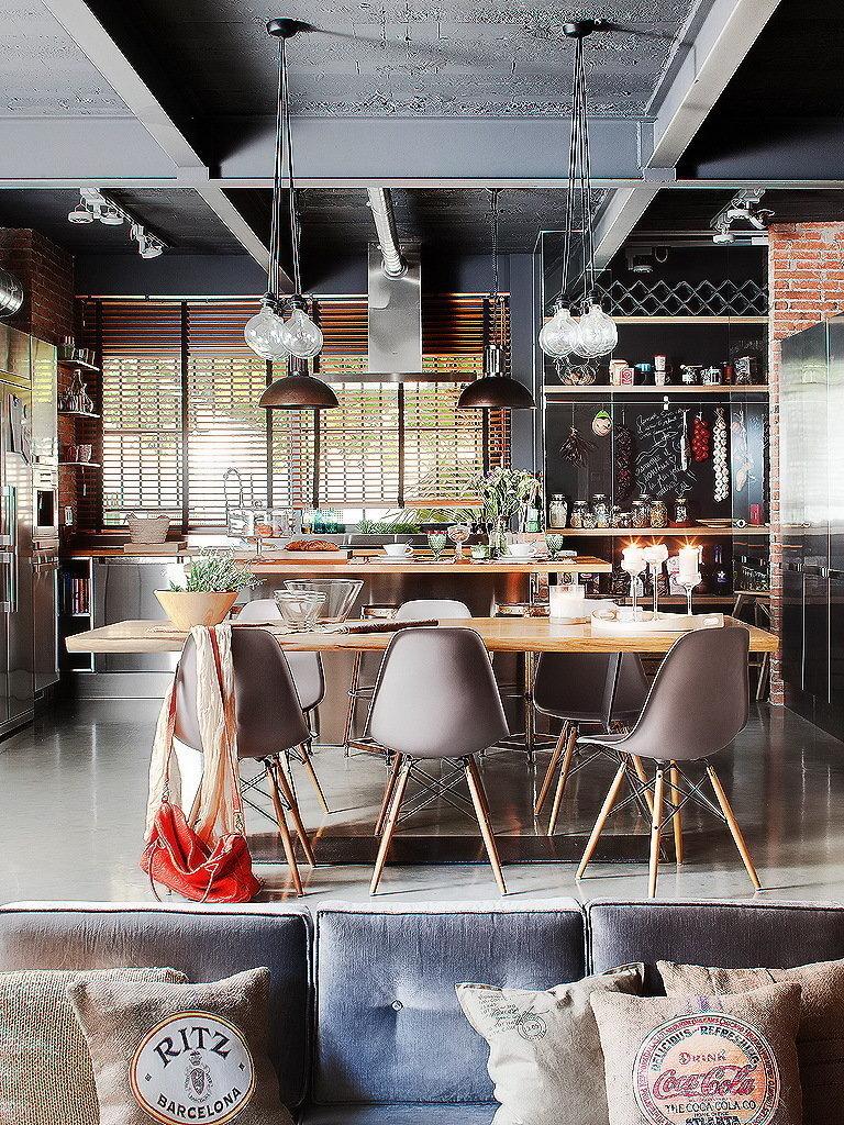 Фотография: Кухня и столовая в стиле Лофт, Гостиная, Декор интерьера, Интерьер комнат, Проект недели, напольное покрытие – фото на InMyRoom.ru