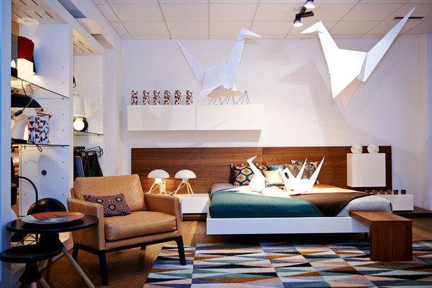 Фотография: Спальня в стиле Скандинавский, Современный, Эклектика, Декор интерьера, BoConcept, Мебель и свет, Индустрия, События, Кулинарная студия Clever, Мягкая мебель – фото на InMyRoom.ru
