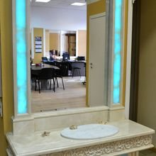 Фото из портфолио Мраморный столик-трюмо с резьбой – фотографии дизайна интерьеров на INMYROOM