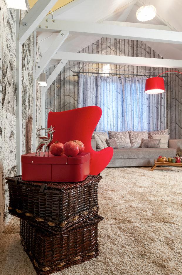 Фотография: Гостиная в стиле Эклектика, Интерьер комнат, Мансарда – фото на InMyRoom.ru