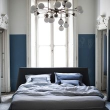 Фотография: Спальня в стиле Скандинавский, Интерьер комнат, Кровать, Гардероб, Комод, Пуф, Табурет – фото на InMyRoom.ru