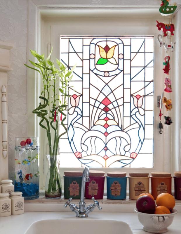 Фотография:  в стиле , Декор интерьера, окно в интерьере, энциклопедия_декор – фото на InMyRoom.ru