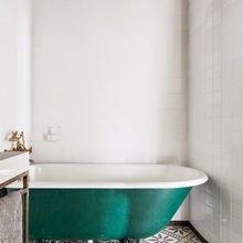 Фотография: Ванная в стиле Кантри, Скандинавский, Декор интерьера, Дизайн интерьера, Цвет в интерьере – фото на InMyRoom.ru