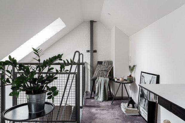 Фотография: Кабинет в стиле Лофт, Кухня и столовая, Гостиная, Декор интерьера, Квартира, Белый, Серый, 2 комнаты – фото на INMYROOM