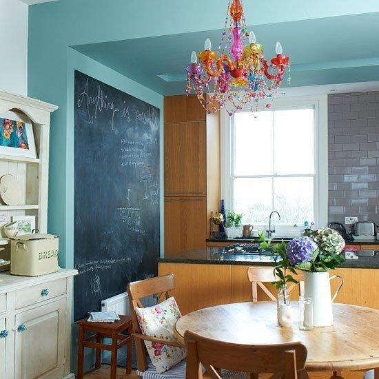 Фотография: Кухня и столовая в стиле Прованс и Кантри, Декор интерьера, Интерьер комнат – фото на InMyRoom.ru