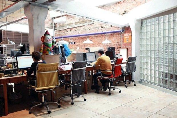 Фотография: Офис в стиле Прованс и Кантри, Лофт, Современный, Офисное пространство, Индустрия, Люди – фото на InMyRoom.ru