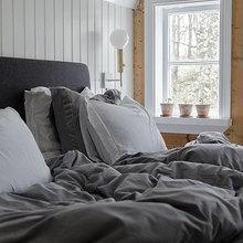 Фотография: Спальня в стиле Скандинавский, Декор интерьера, Дом, Швеция – фото на InMyRoom.ru