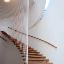 Фотография: Прихожая в стиле Лофт, Современный, Архитектура, Декор, Мебель и свет, Ремонт на практике, Никита Морозов, освещение для лестницы, какую выбрать лестницу, какие бывают лестницы, прямая лестница, винтовая лестница, лестница на больцах, подвесная лестница, ограждение для лестниц, как украсить лестницу – фото на InMyRoom.ru