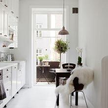 Фотография: Кухня и столовая в стиле Скандинавский, Декор интерьера, Дизайн интерьера, Декор, Цвет в интерьере – фото на InMyRoom.ru