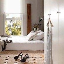 Фотография: Спальня в стиле Скандинавский, Квартира, Испания, Терраса, Цвет в интерьере, Дома и квартиры, Белый – фото на InMyRoom.ru