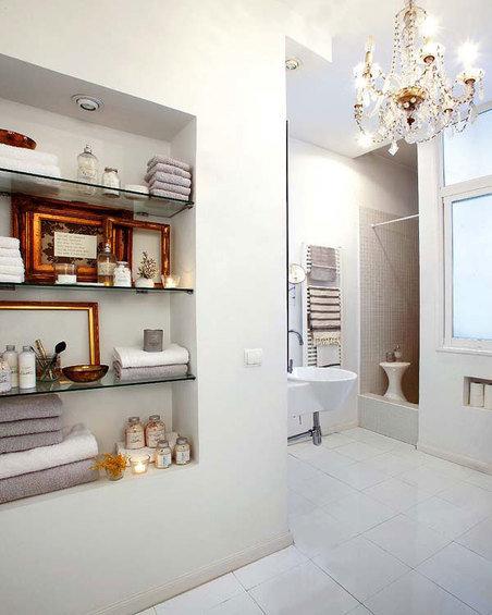 Фотография: Ванная в стиле Современный, Декор интерьера, Квартира, Цвет в интерьере, Дома и квартиры, Стены – фото на InMyRoom.ru