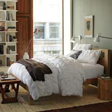 Фотография: Спальня в стиле Эко, Декор интерьера, Интерьер комнат, Текстиль – фото на InMyRoom.ru