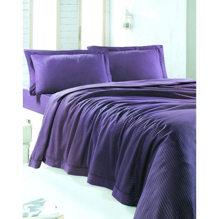 Набор покрывало пике с простынёй и наволочками PLUME 230х250 пурпурное