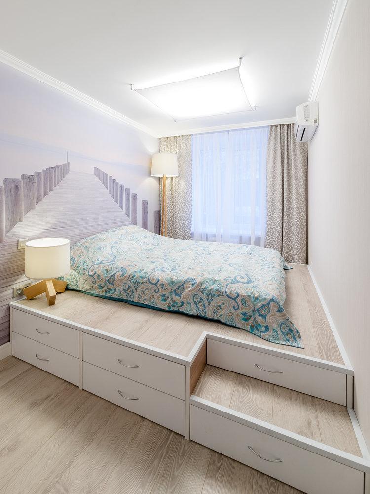 Подиумы в спальной комнате