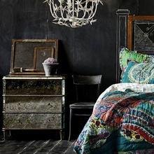 Фотография: Спальня в стиле Кантри, Эклектика, Декор интерьера, Дизайн интерьера, Цвет в интерьере – фото на InMyRoom.ru