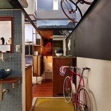 Фотография: Прихожая в стиле Лофт, Малогабаритная квартира, Квартира, Мебель и свет, Эко – фото на InMyRoom.ru