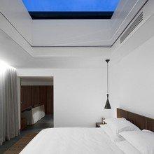 Фотография: Спальня в стиле Минимализм, Португалия, Дома и квартиры, Городские места, Отель – фото на InMyRoom.ru