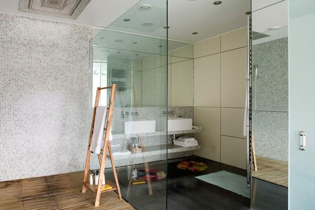 Фотография: Ванная в стиле Современный, Квартира, Дома и квартиры, Лондон, Панорамные окна – фото на InMyRoom.ru