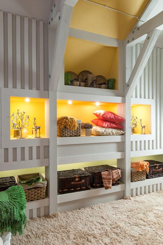 Фотография: Декор в стиле Прованс и Кантри, Современный, Гостиная, Интерьер комнат, Мансарда – фото на InMyRoom.ru