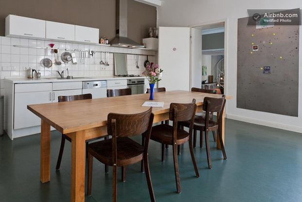 Фотография: Гостиная в стиле Прованс и Кантри, Декор интерьера, Квартира, Дома и квартиры, Airbnb – фото на InMyRoom.ru