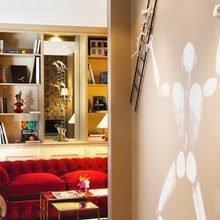 Фотография: Прихожая в стиле Кантри, Эклектика, Франция, Цвет в интерьере, Дома и квартиры, Городские места, Отель, Красный, Современное искусство, Граффити – фото на InMyRoom.ru