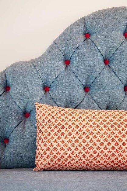 Фотография: Спальня в стиле Прованс и Кантри, Лофт, Декор интерьера, Интерьер комнат, Кровать – фото на InMyRoom.ru