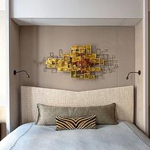 Фотография: Спальня в стиле Современный, Малогабаритная квартира, Квартира, Франция, Дома и квартиры, Париж – фото на InMyRoom.ru