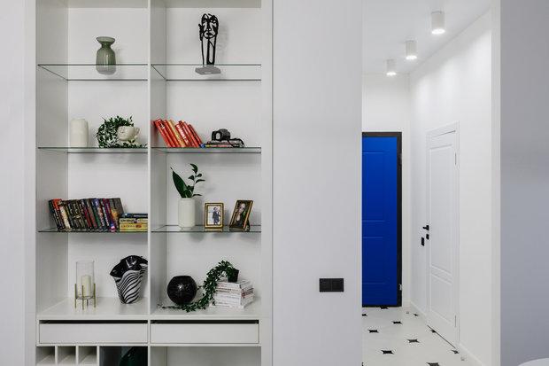 Фотография: Прихожая в стиле Современный, Квартира, Проект недели, Москва, Samsung, 2 комнаты, 60-90 метров, Монолитно-кирпичный, the serif – фото на INMYROOM