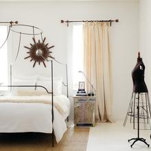 Фотография: Спальня в стиле Современный, Декор интерьера, Дом, Декор дома – фото на InMyRoom.ru