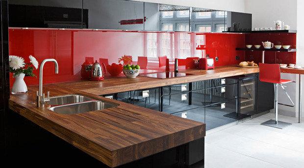 Фотография: Кухня и столовая в стиле Хай-тек, Восточный, Декор интерьера, Дизайн интерьера, Цвет в интерьере, Черный, Пол – фото на InMyRoom.ru