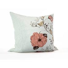 Декоративная подушка: Пастельные цветы