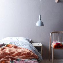 Фотография: Спальня в стиле Скандинавский, Минимализм, Декор интерьера, Текстиль, Плед, Норвегия – фото на InMyRoom.ru