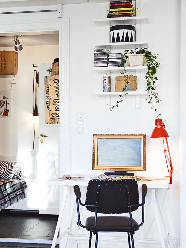 Фотография: Офис в стиле Скандинавский, Малогабаритная квартира, Квартира, Дома и квартиры – фото на InMyRoom.ru