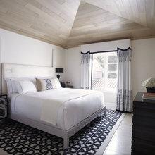 Фотография: Спальня в стиле Классический, Современный, Мебель и свет, Дома и квартиры, Городские места, Отель, Бассейн, Подсветка – фото на InMyRoom.ru
