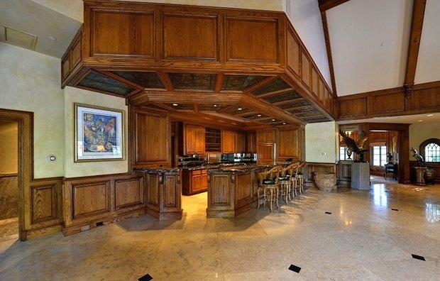 Фотография: Кухня и столовая в стиле , Декор интерьера, Дом, Дома и квартиры, Интерьеры звезд – фото на InMyRoom.ru