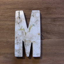 Декоративная буква (M)