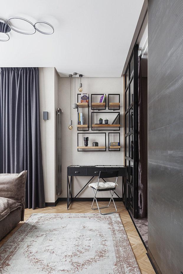 Фотография: Кабинет в стиле Лофт, Прихожая, Гостиная, Спальня, Декор интерьера, Квартира, Студия, 40-60 метров, Мария Полянская – фото на INMYROOM