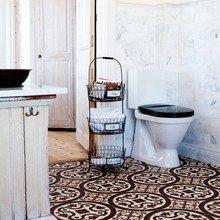 Фотография: Ванная в стиле Кантри, Декор интерьера, Декор дома, Плитка, Ремонт на практике – фото на InMyRoom.ru