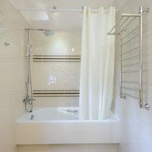 Фото из портфолио Светлая ванная комната с окном – фотографии дизайна интерьеров на InMyRoom.ru